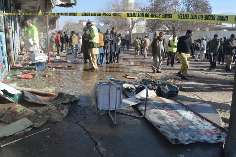 Zamach bombowy przeprowadzony przed ośrodkiem szczepień przeciwko polio w Kwecie na zachodzie Pakistanu /EPA/JAMAL TARAQAI  /PAP/EPA