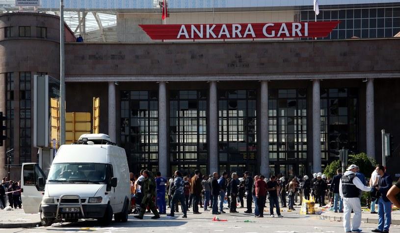 Zamach bombowy w Turcji. Wzrosła liczba ofiar /PAP/EPA
