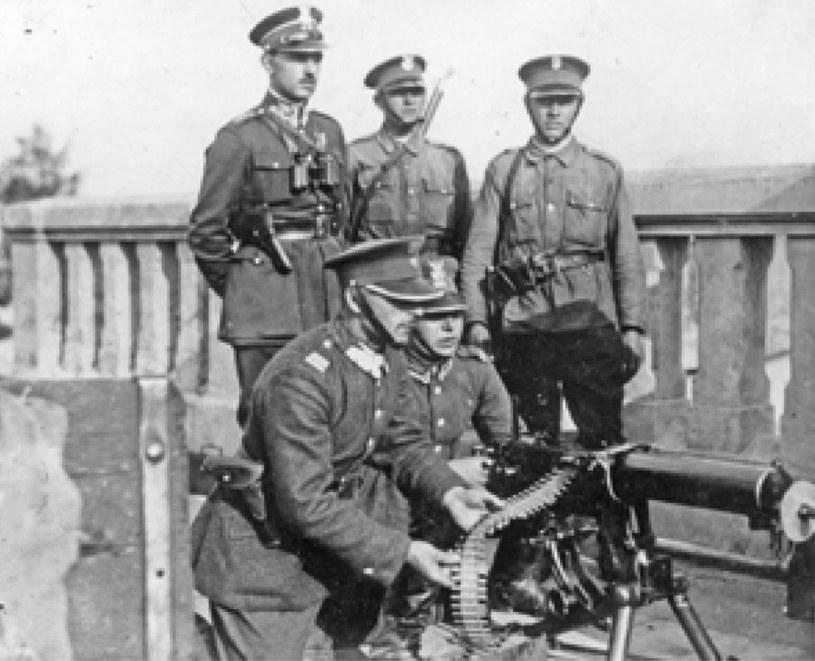 Zamach majowy 1926 r. Szwoleżerowie Józefa Piłsudskiego na moście Poniatowskiego /Archiwum Tomasza Basarabowicza