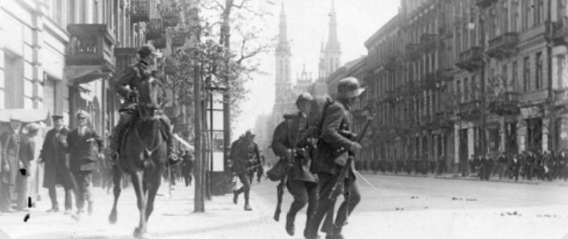 Zamach majowy 1926 r. Wojska rządowe w Śródmieściu Warszawy /Archiwum Tomasza Basarabowicza