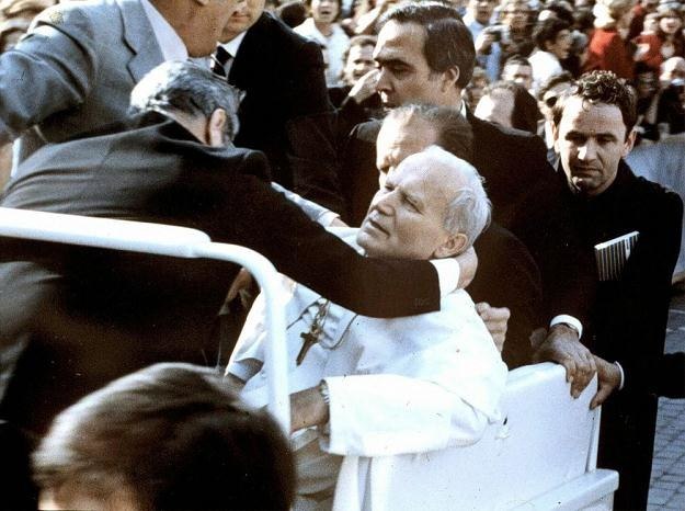 Zamach na Jana Pawła II /AFP