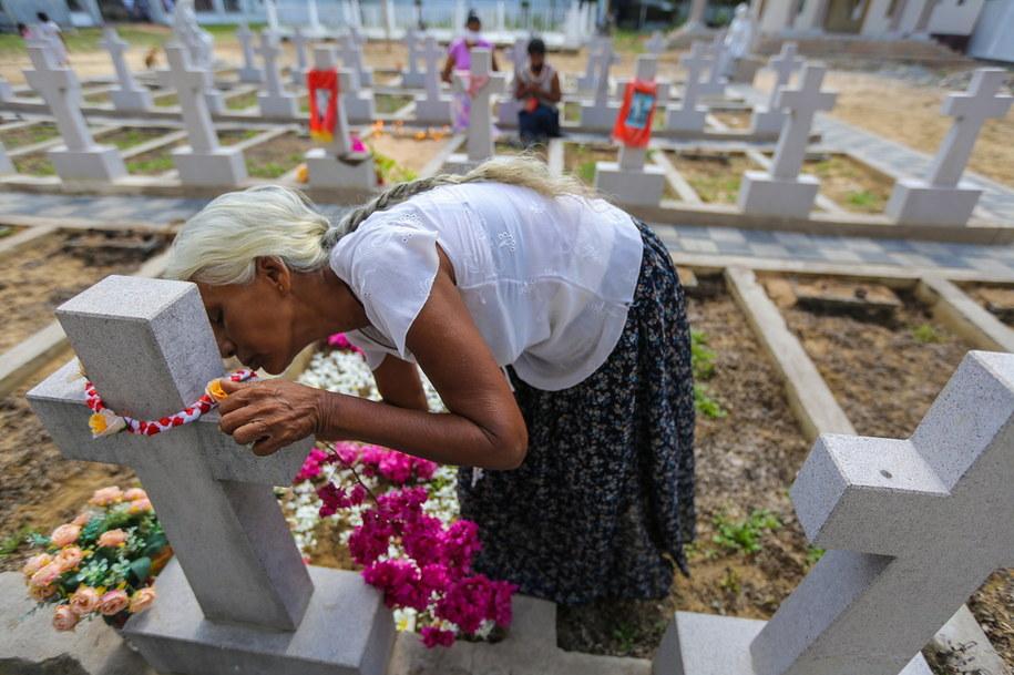 Zamachowcy samobójcy dokonali serii skoordynowanych ataków na kościoły oraz luksusowe hotele. Zginęło 311 osób /CHAMILA KARUNARATHNE /PAP/EPA