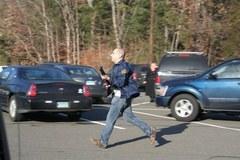 Zamachowiec zaatakował w amerykańskiej podstawówce. Nie żyje 27 osób