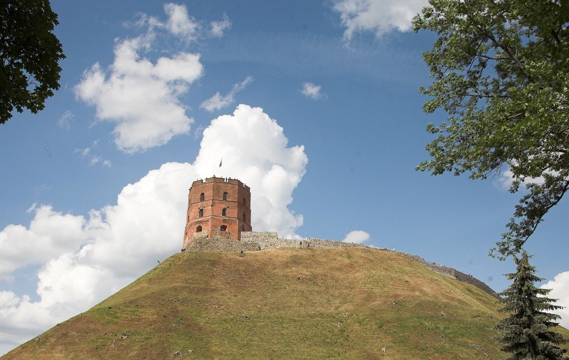 Zamek Giedymina w Wilnie /MARCIN LIBELT /East News