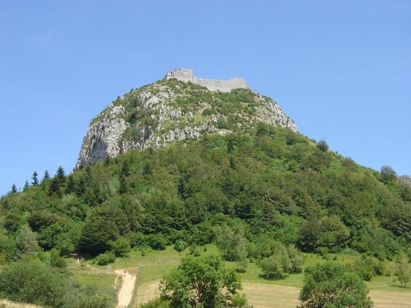 Zamek Montségur wydawał się nie do zdobycia. Udało się to tylko dzięki zdradzie /Jean-Yves Didier/WikiCommons /INTERIA.PL/materiały prasowe