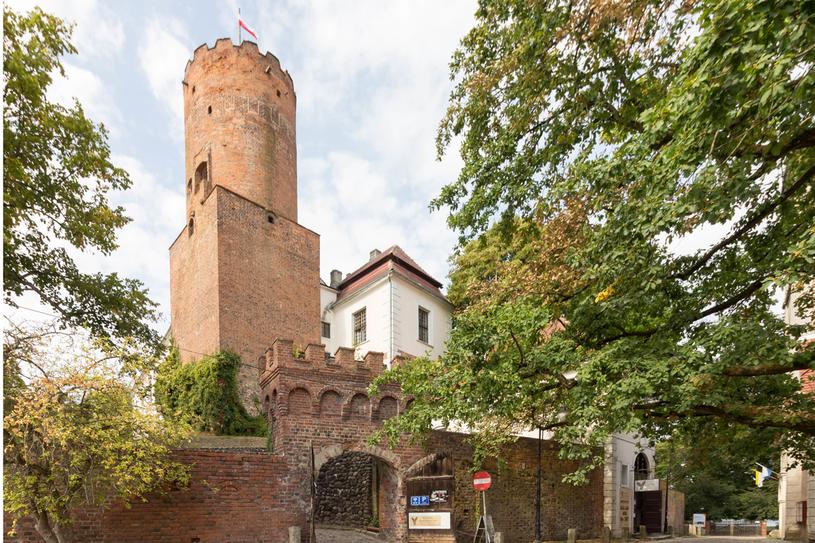 Zamek w Łagowie - idealny pomysł na rodzinną wycieczkę /123RF/PICSEL