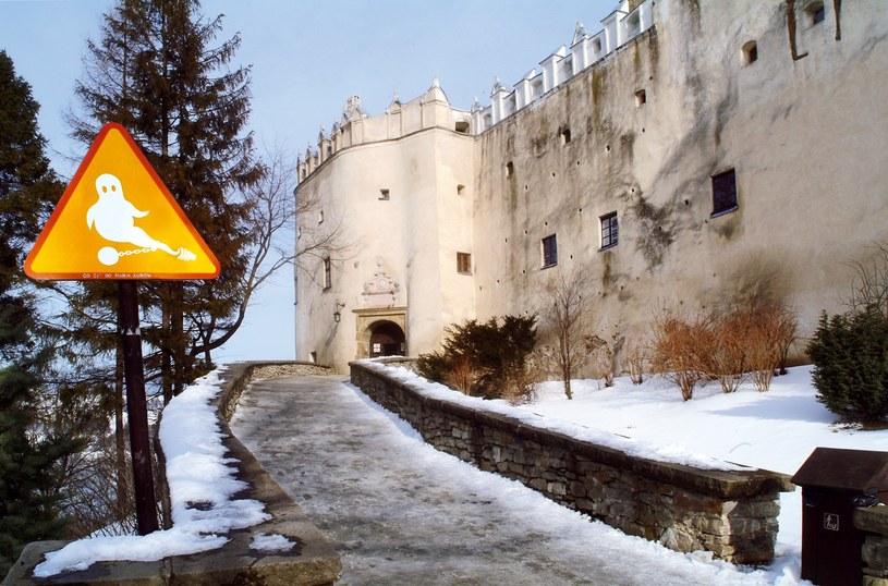 Zamek w Niedzicy jest najprawdopodobniej jedynym miejscem, gdzie znajduje się znak ostrzegający przed... duchami /East News
