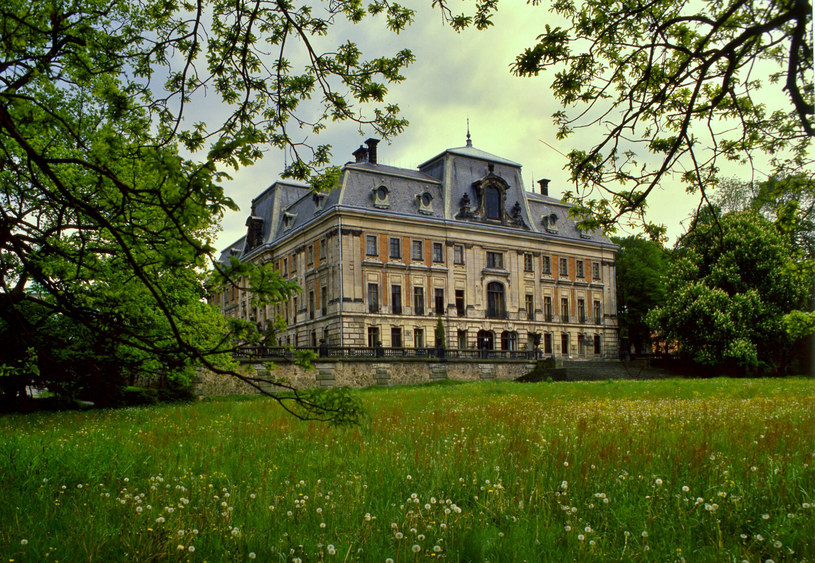 Zamek w Pszczynie ma bogatą historię. Warto wybrać się tam na jesienną wycieczkę /Wieslaw M. Zielinski /East News