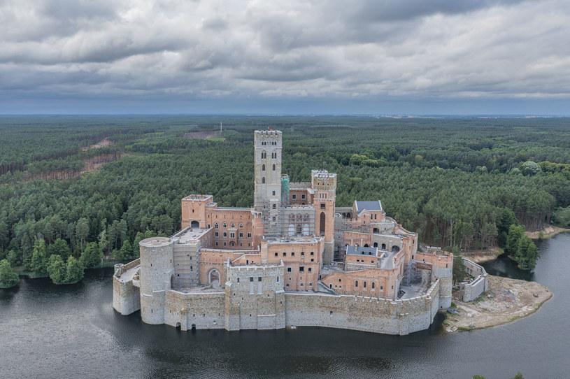 Zamek w Stobnicy został już w zasadzie ukończony. Wymaga jedynie prac wykończeniowych /Robert Neumann / Forum /Agencja FORUM