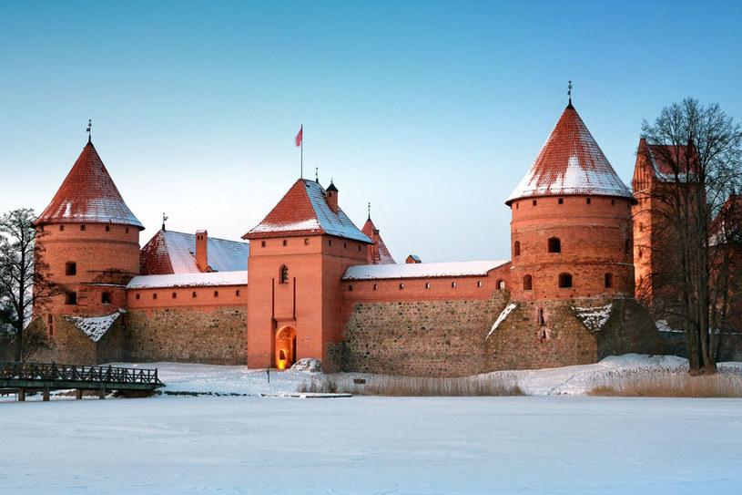 Zamek w Trokach - napopularniejszy litewski zabytek /123RF/PICSEL
