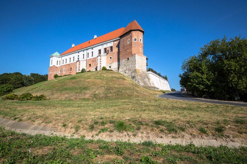 Zamek, wąwozy i piękna starówka - to dlatego miasto przyciąga coraz więcej turystów /123RF/PICSEL
