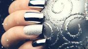Zamiast biżuterii... metaliczny manicure