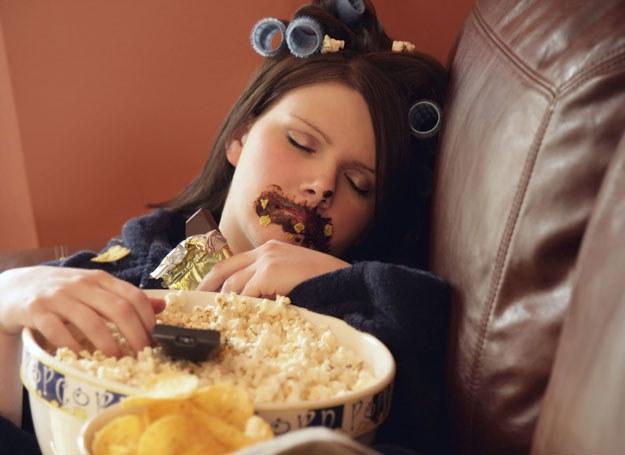 Zamiast ślepo podążać za żywieniowymi trendami, powinniśmy nauczyć się interpretować zalecenia dietetyków /123RF/PICSEL