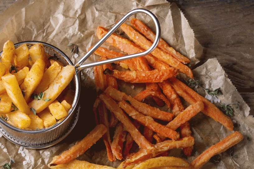 Zamień frytki z ziemniaków na marchewkowe /123RF/PICSEL