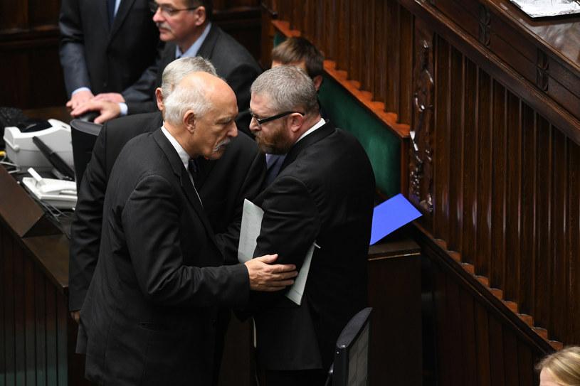 Zamieszanie przed expose premiera. Interweniował Janusz Korwin-Mikke /Jacek Dominski/REPORTER /Reporter