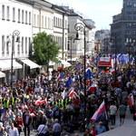 Zamieszanie wokół frekwencji na marszu KOD i opozycji. Policja wyjaśnia