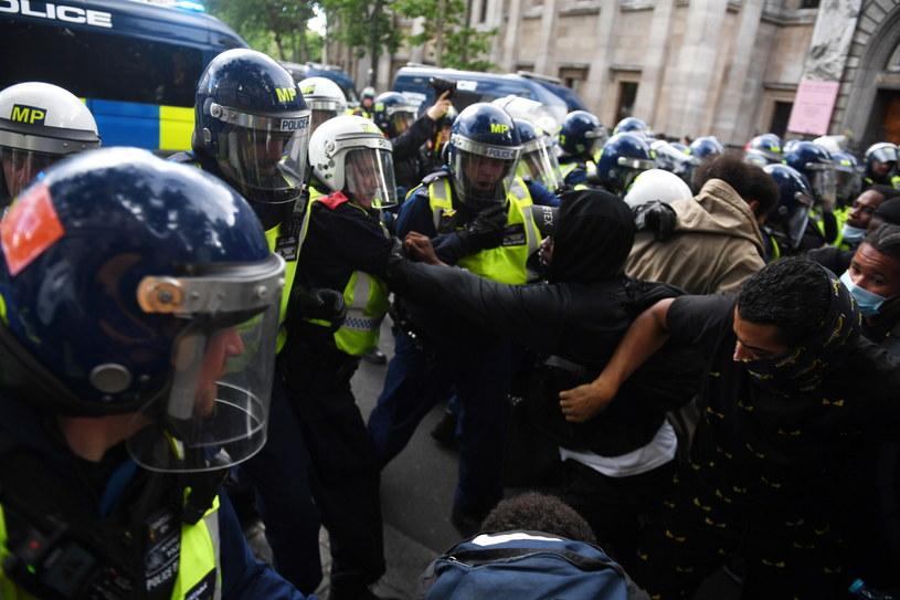Zamieszki na ulicach Londynu. /NEIL HALL /PAP/EPA