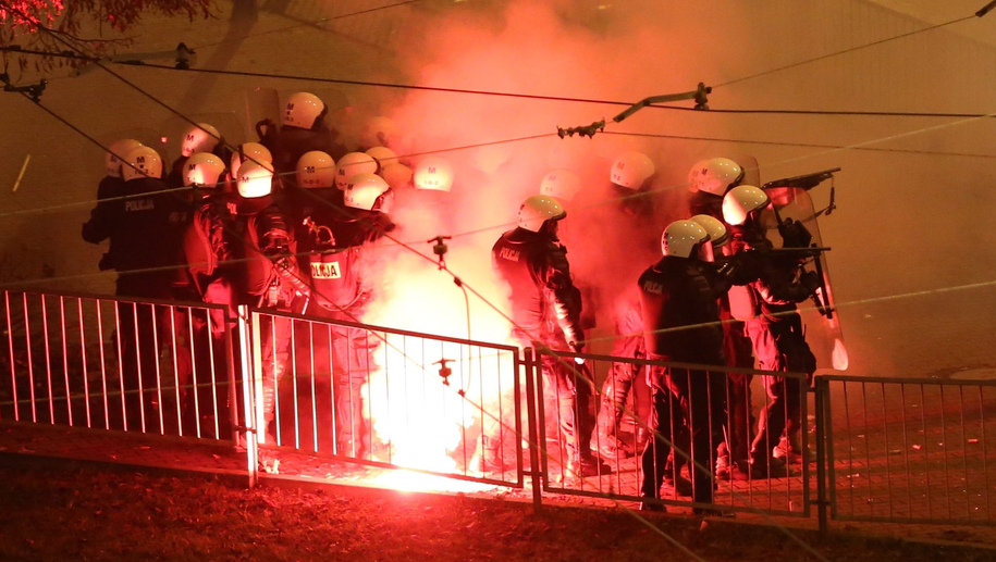 Zamieszki podczas Marszu Niepodległości w 2014 roku / Leszek Szymański    /PAP