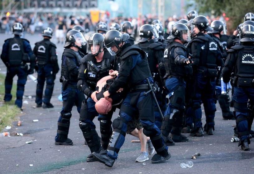 Zamieszki podczas meczu Węgry - Rumunia /AFP