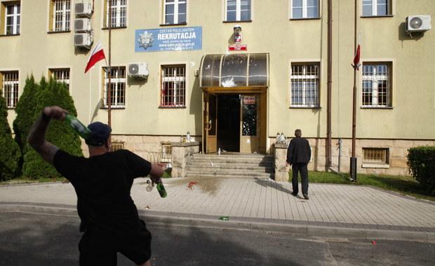 Zamieszki przed komendą w Lubinie: Część z ponad 40 zatrzymanych już wypuszczono