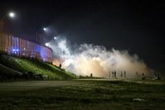 """Zamieszki w """"dżungli"""" w Calais"""