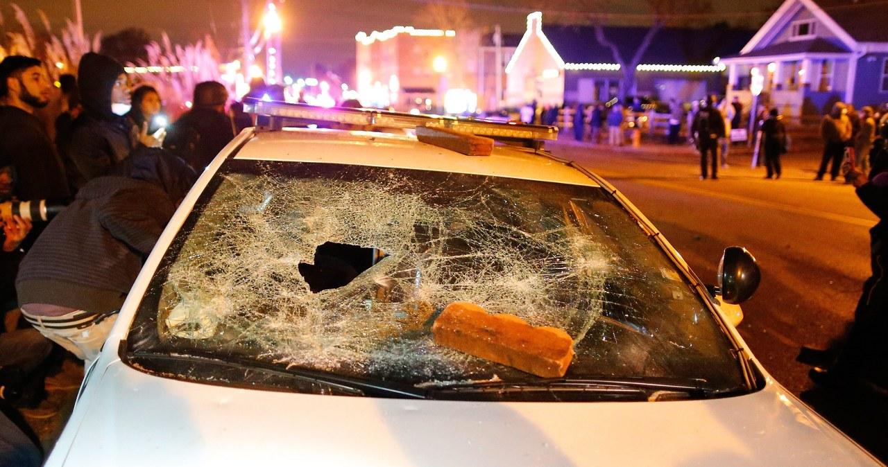 Zamieszki w Ferguson. Setki osób na ulicach