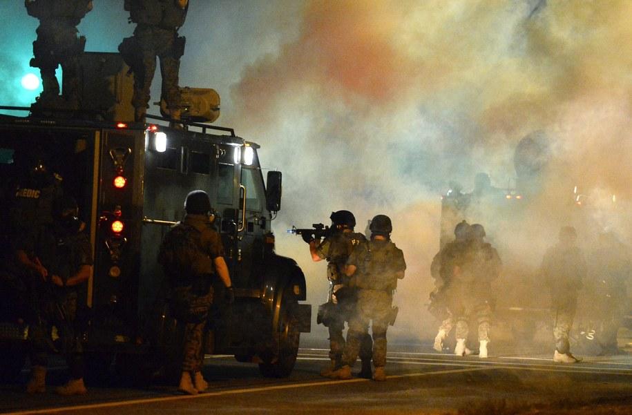 Zamieszki w Ferguson /LARRY W. SMITH /PAP/EPA