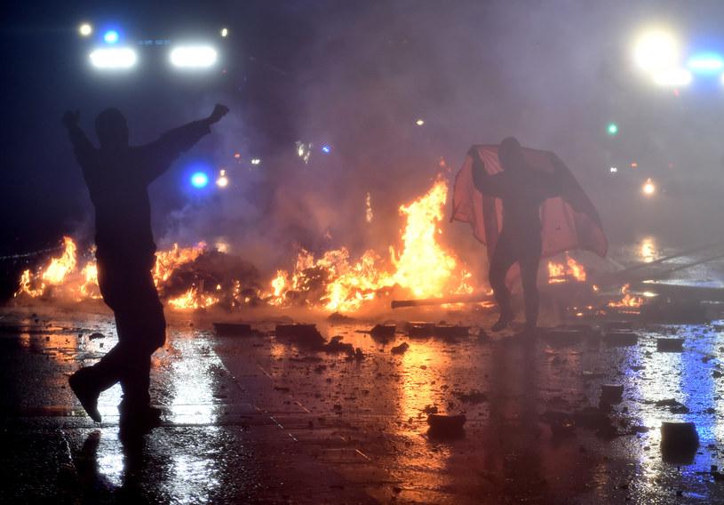 Zamieszki w Hamburgu podczas szczytu G20 /CHRISTOF STACHE /AFP