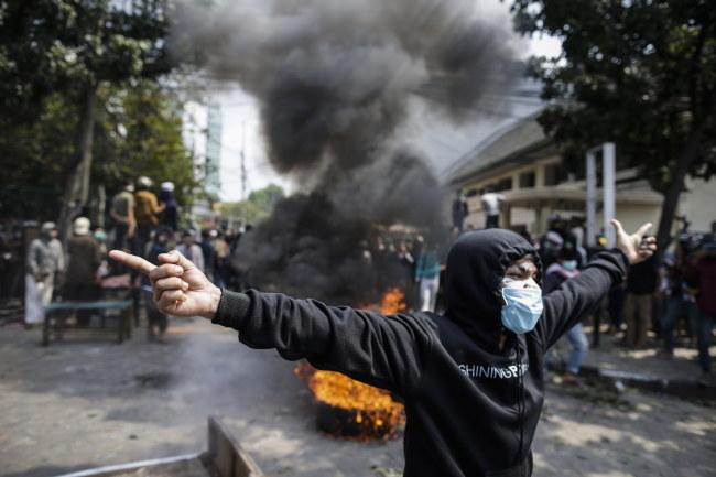 Zamieszki w Indonezji /Mast Irham /PAP/EPA