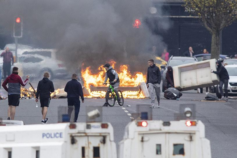 Zamieszki w Irlandii Północnej /PAUL FAITH    /AFP