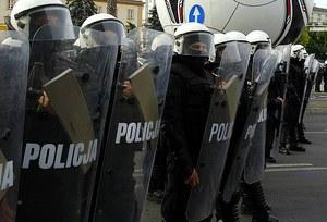 Zamieszki w Knurowie. Zmarł kibic postrzelony przez policję