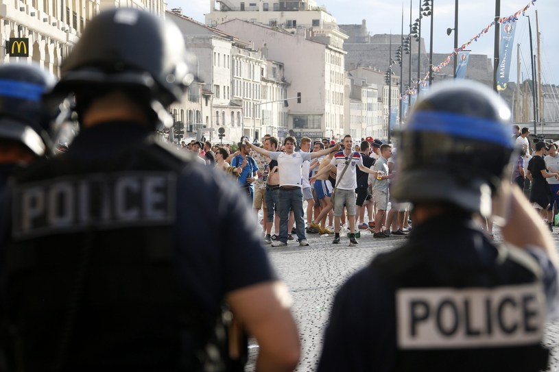 Zamieszki w Marsylii z udziałem rosyjskich i angielskich chuliganów /PAP/EPA