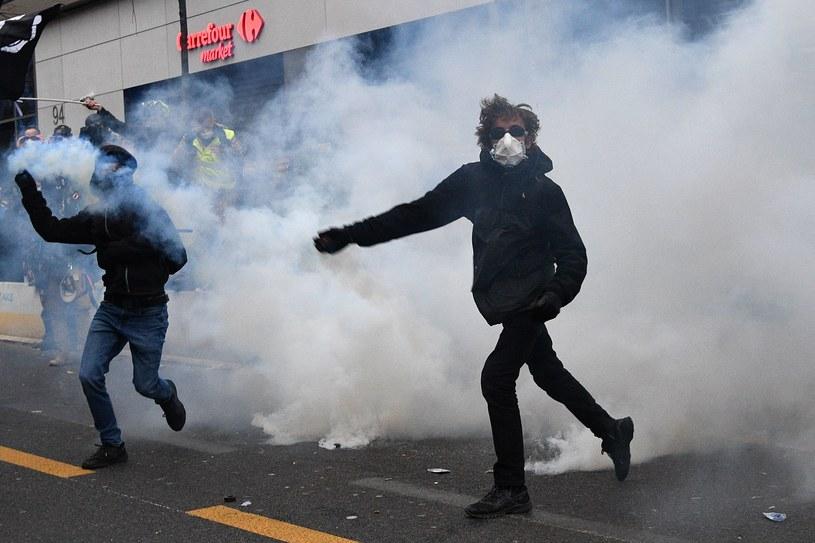 Zamieszki w Paryżu /AFP