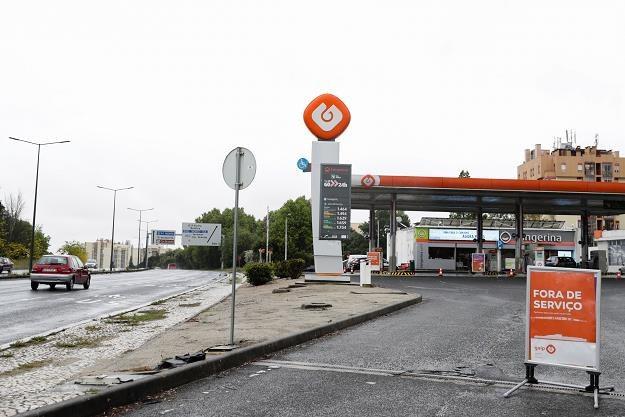 Zamknięta z powodu braku paliwa stacja w Lizbonie /EPA
