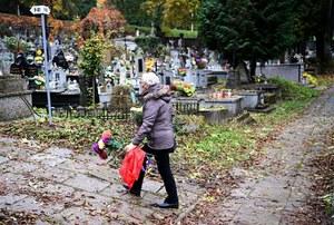 Zamknięte cmentarze w dzień Wszystkich Świętych i w Zaduszki. Szczegóły