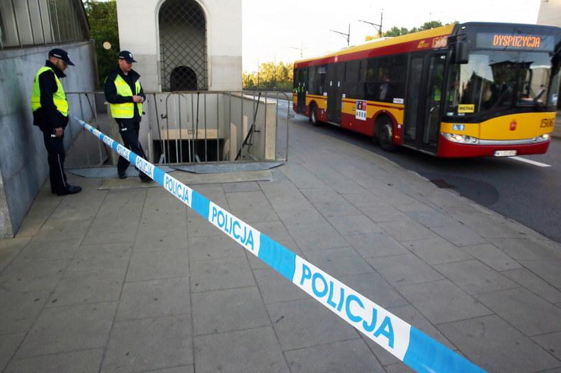 Zamknięte ulice w Warszawie /Tomasz Gzell /PAP