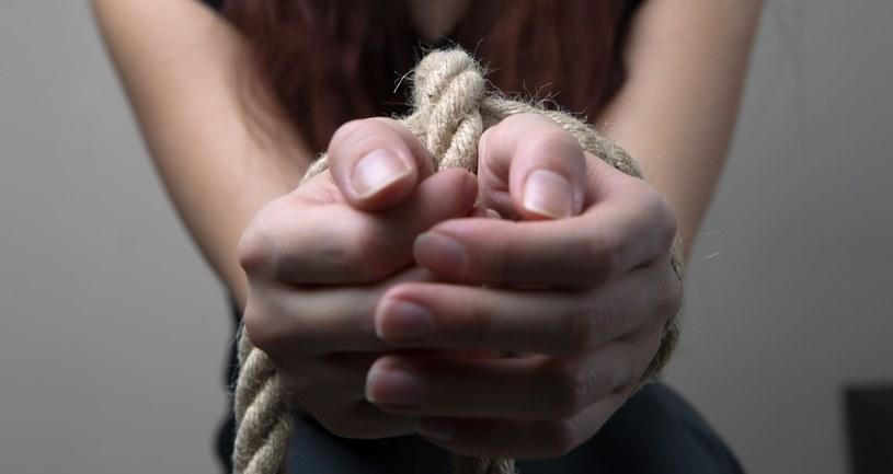 Zamknięte w sobie, zmęczone i przestraszone dzieci nie są podejmować racjonalnych decyzji /123RF/PICSEL