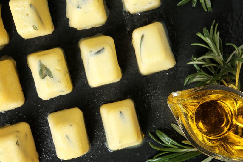 Zamrożone zioła z oliwą /©123RF/PICSEL