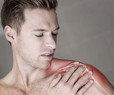 Zamrożony staw barkowy – naturalne sposoby leczenia