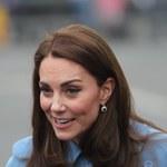 """Zamurowało ich na widok stroju księżnej Kate! """"Wygląda jak czarownica"""""""