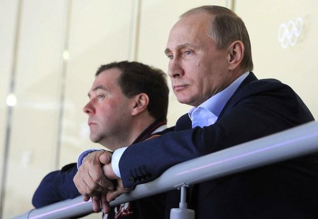 Zamyśleni Putin i Miedwiediew podczas spotkania ze Słowacją /PAP/EPA/MIKHAIL KLIMENTIEV/RIA NOVOSTI/ /PAP/EPA