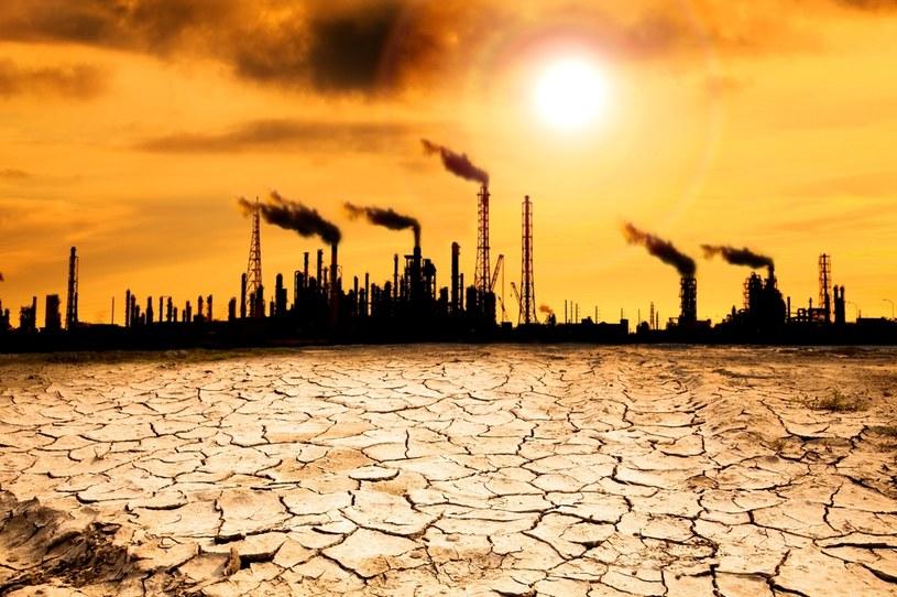 Zanieczyszczenie powietrza to poważne zagrożenie - nie można go bagatelizować /123RF/PICSEL