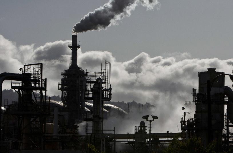 zanieczyszczenie powietrza /© Photogenica
