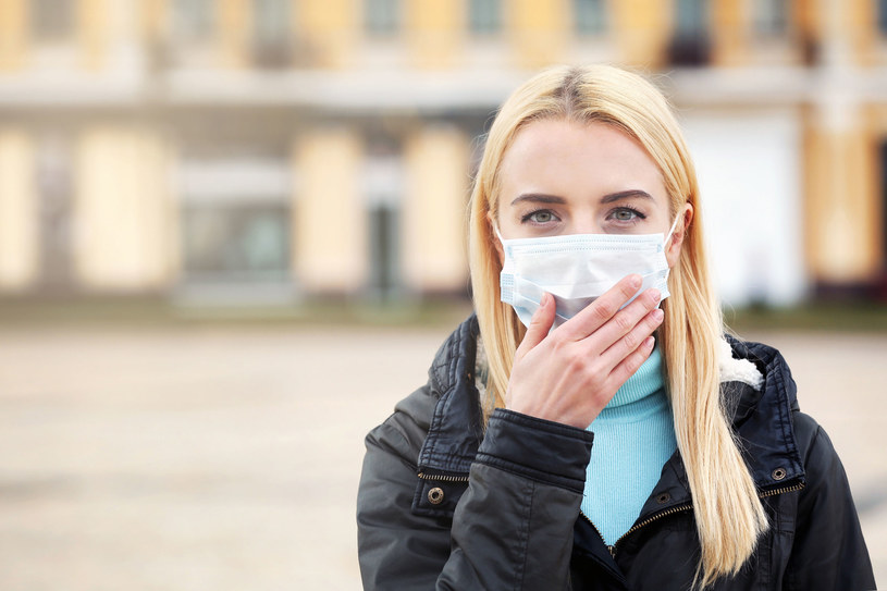 Zaniepokojenie sytuacją związaną z epidemią deklaruje 47 proc. Polaków. /123RF/PICSEL