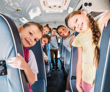 Zanim dzieci wyjadą na wakacje – co sprawdzisz i załatwisz przez internet?