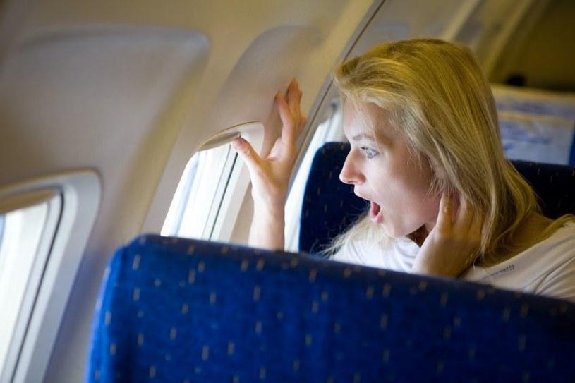 Zanim wejdziesz na pokład samolotu, postaraj się wyeliminować bodźce pogarszające twoje samopoczucie /123RF/PICSEL