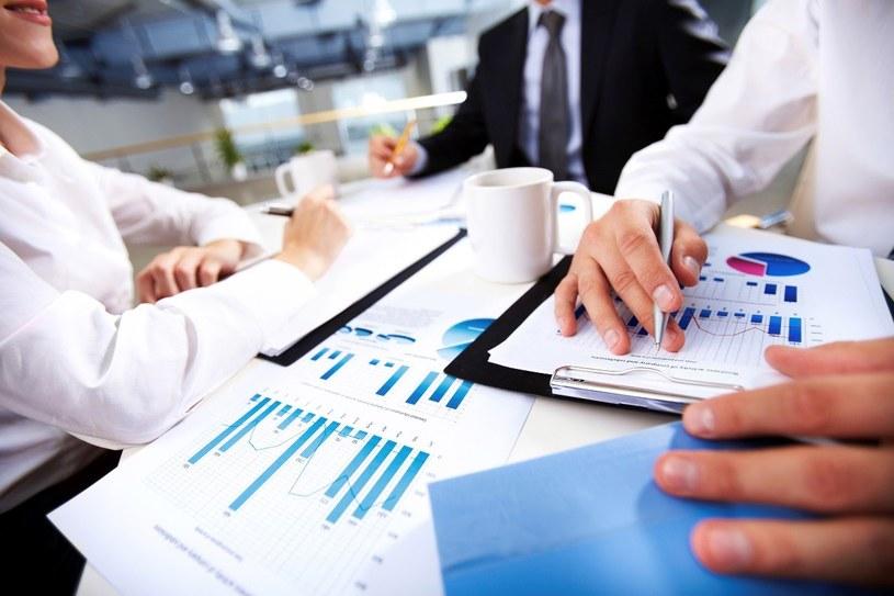 Zanim wybierzesz fundusz inwestycyjny sprawdź w co inwestuje /© Glowimages