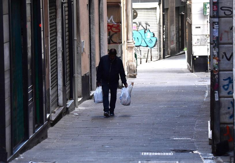 Zaostrzone przepisy mają obowiązywać we Włoszech przez dwa tygodnie. /LUCA ZENNARO /PAP/EPA