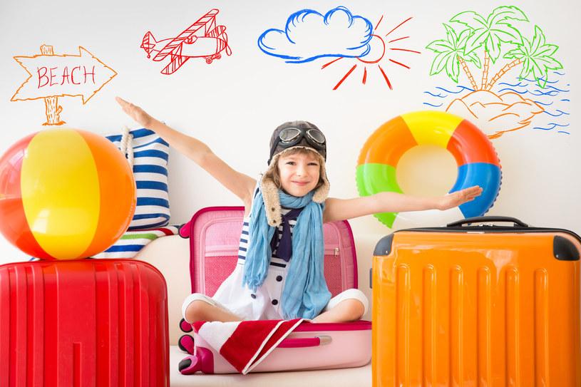 Zapakowanie dziecka na wyjazd wymaga wprawy /123RF/PICSEL