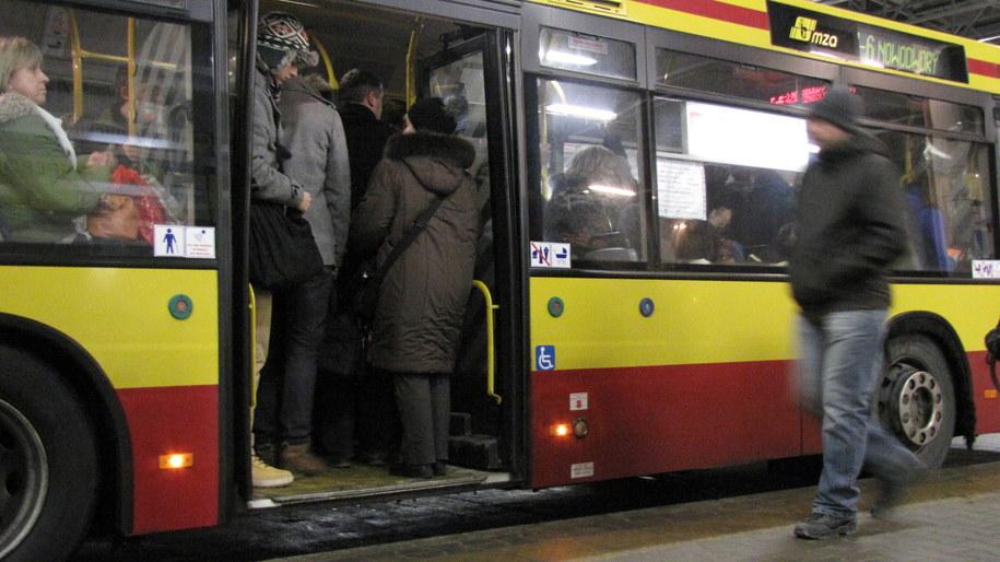 Zapchany autobus linii E-6 /Olga Wasielewska /RMF FM